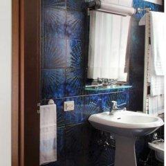 Hotel Blu Inn Колоньо-Монцезе ванная фото 2