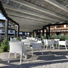 Отель Cala Della Torre Resort Синискола гостиничный бар