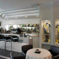 Отель Boemia Италия, Риччоне - 2 отзыва об отеле, цены и фото номеров - забронировать отель Boemia онлайн гостиничный бар
