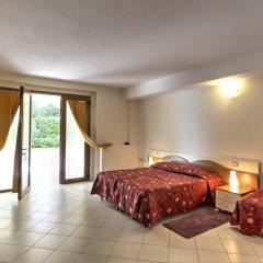 Отель Albergo Le Piante Манерба-дель-Гарда комната для гостей фото 5