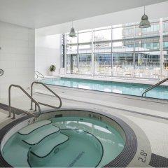 Отель Element Vancouver Metrotown Канада, Бурнаби - отзывы, цены и фото номеров - забронировать отель Element Vancouver Metrotown онлайн бассейн