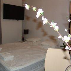 Hotel Maksimir комната для гостей