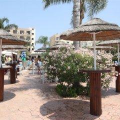Отель Tsokkos Gardens Hotel Кипр, Протарас - 1 отзыв об отеле, цены и фото номеров - забронировать отель Tsokkos Gardens Hotel онлайн пляж фото 2