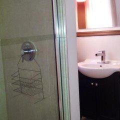 Отель MondeLiving House Davie Канада, Ванкувер - отзывы, цены и фото номеров - забронировать отель MondeLiving House Davie онлайн ванная