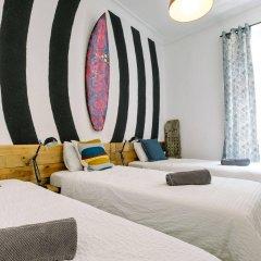 Отель Off Beat Guesthouse Испания, Сан-Себастьян - отзывы, цены и фото номеров - забронировать отель Off Beat Guesthouse онлайн комната для гостей