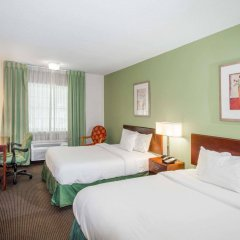 Отель Baymont Inn & Suites Jefferson City комната для гостей фото 3
