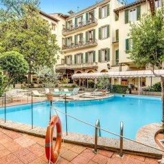Отель Croce Di Malta Hotel Италия, Флоренция - 8 отзывов об отеле, цены и фото номеров - забронировать отель Croce Di Malta Hotel онлайн бассейн фото 2