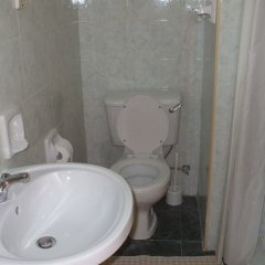 Отель Odysseus Court Gozo Мальта, Мунксар - отзывы, цены и фото номеров - забронировать отель Odysseus Court Gozo онлайн ванная