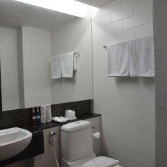Отель The Mini R Ratchada Hotel Таиланд, Бангкок - отзывы, цены и фото номеров - забронировать отель The Mini R Ratchada Hotel онлайн ванная фото 2