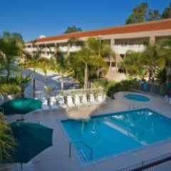 Отель La Quinta Inn & Suites San Diego SeaWorld/Zoo Area с домашними животными