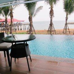 Отель Nantra Pattaya Baan Ampoe Beach бассейн