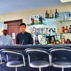 Отель Landmark Kathmandu Непал, Катманду - отзывы, цены и фото номеров - забронировать отель Landmark Kathmandu онлайн гостиничный бар
