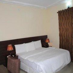Отель Tyndale Residence Ltd комната для гостей фото 2