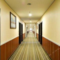 Yijia Holiday Hotel интерьер отеля фото 3
