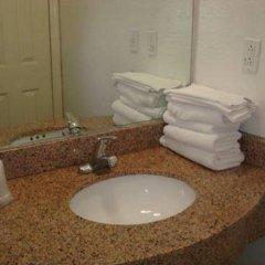 Отель Travel Inn США, Лос-Анджелес - отзывы, цены и фото номеров - забронировать отель Travel Inn онлайн ванная