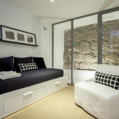 Апартаменты Liiiving in Porto Downtown Terrace Apartment комната для гостей