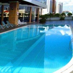 Отель Four Wings Бангкок бассейн