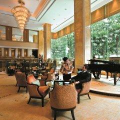 Отель Shangri-La Hotel Kuala Lumpur Малайзия, Куала-Лумпур - 1 отзыв об отеле, цены и фото номеров - забронировать отель Shangri-La Hotel Kuala Lumpur онлайн интерьер отеля