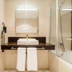 Отель ILUNION Auditori Испания, Барселона - 3 отзыва об отеле, цены и фото номеров - забронировать отель ILUNION Auditori онлайн ванная