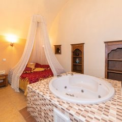 Stone Hotel Istanbul Турция, Стамбул - 1 отзыв об отеле, цены и фото номеров - забронировать отель Stone Hotel Istanbul онлайн бассейн