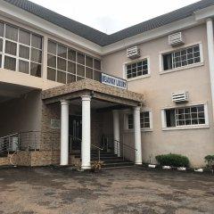 Отель Meadway Luxury Hotels Нигерия, Энугу - отзывы, цены и фото номеров - забронировать отель Meadway Luxury Hotels онлайн парковка