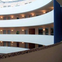 Отель NH Düsseldorf City интерьер отеля фото 3