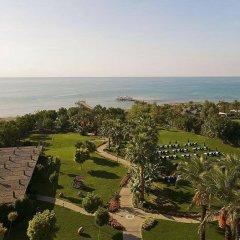 Alva Donna Beach Resort Comfort Турция, Сиде - отзывы, цены и фото номеров - забронировать отель Alva Donna Beach Resort Comfort онлайн спортивное сооружение
