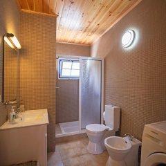 Отель Casas do Capelo Португалия, Орта - отзывы, цены и фото номеров - забронировать отель Casas do Capelo онлайн ванная фото 2