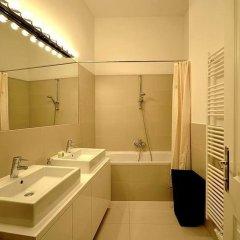 Апартаменты Vienna Residence Spacious & Tasteful Apartment in the 3rd District Вена ванная