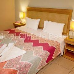Glyfada Beach Hotel сейф в номере