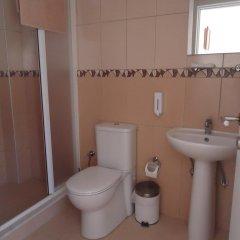 Bells Motel Турция, Урла - отзывы, цены и фото номеров - забронировать отель Bells Motel онлайн ванная