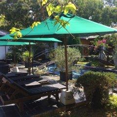 Отель Flower Garden Lake resort бассейн