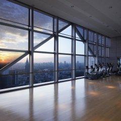 Отель Park Hyatt Tokyo Токио фитнесс-зал фото 3