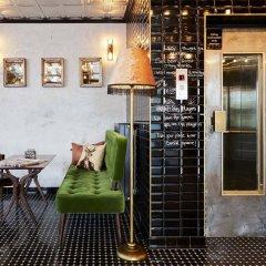 Отель Max Brown Midtown гостиничный бар