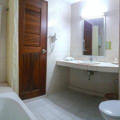 Отель Eastiny Place Паттайя ванная фото 2