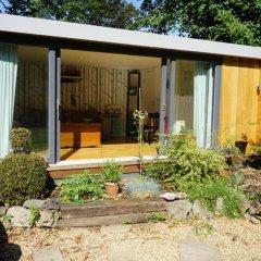 Апартаменты Architect-designed Garden Studio комната для гостей фото 4
