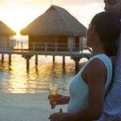 Отель Manava Beach Resort and Spa Moorea Французская Полинезия, Папеэте - отзывы, цены и фото номеров - забронировать отель Manava Beach Resort and Spa Moorea онлайн приотельная территория фото 2