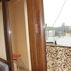 Отель Metro Aparthotel Армения, Ереван - отзывы, цены и фото номеров - забронировать отель Metro Aparthotel онлайн балкон