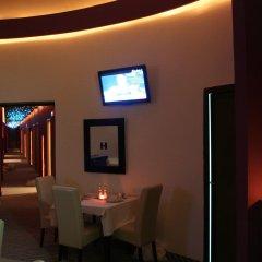 Отель Boutique Hotel Tash Belgrade Сербия, Белград - 3 отзыва об отеле, цены и фото номеров - забронировать отель Boutique Hotel Tash Belgrade онлайн гостиничный бар