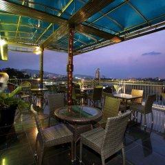 Отель Patong Eyes гостиничный бар