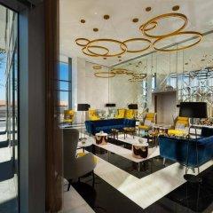 Отель Millennium Atria Business Bay ОАЭ, Дубай - отзывы, цены и фото номеров - забронировать отель Millennium Atria Business Bay онлайн гостиничный бар