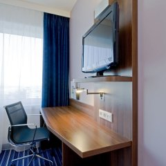 Отель Holiday Inn Express Amsterdam - South Нидерланды, Амстердам - 13 отзывов об отеле, цены и фото номеров - забронировать отель Holiday Inn Express Amsterdam - South онлайн удобства в номере фото 2
