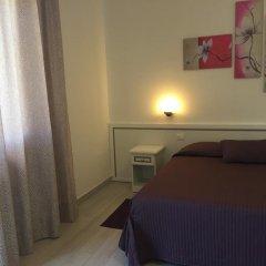 Отель Albergo Ester di Fossi Laura Римини комната для гостей фото 3
