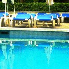 Отель Hostal Magnolia Испания, Льорет-де-Мар - отзывы, цены и фото номеров - забронировать отель Hostal Magnolia онлайн бассейн