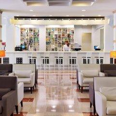 Отель H10 Salauris Palace Испания, Салоу - 5 отзывов об отеле, цены и фото номеров - забронировать отель H10 Salauris Palace онлайн гостиничный бар