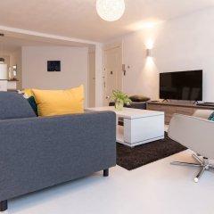 Апартаменты Canal Belt apartments - Rijksmuseum area комната для гостей фото 4