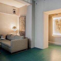 Отель himmelundhimmel - barhotelgalerie Германия, Мюнхен - отзывы, цены и фото номеров - забронировать отель himmelundhimmel - barhotelgalerie онлайн комната для гостей фото 2