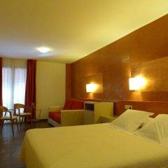 Отель Carmen Испания, Курорт Росес - отзывы, цены и фото номеров - забронировать отель Carmen онлайн комната для гостей