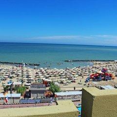 Hotel Colombo Римини пляж