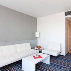 Отель Holiday Inn Prague Airport Чехия, Прага - 3 отзыва об отеле, цены и фото номеров - забронировать отель Holiday Inn Prague Airport онлайн комната для гостей фото 4